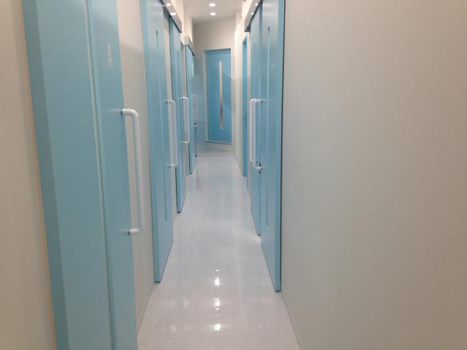 トイトイトイクリニックの廊下