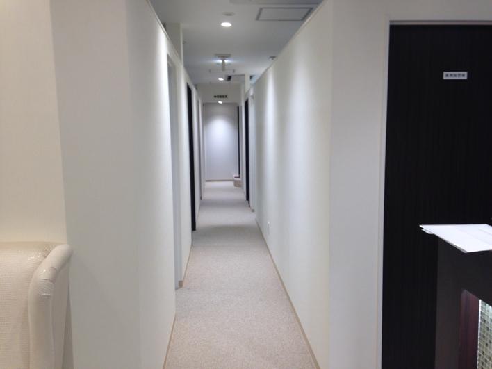 レジーナクリニック銀座院の廊下